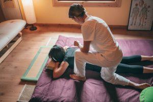 deep tissue body massage